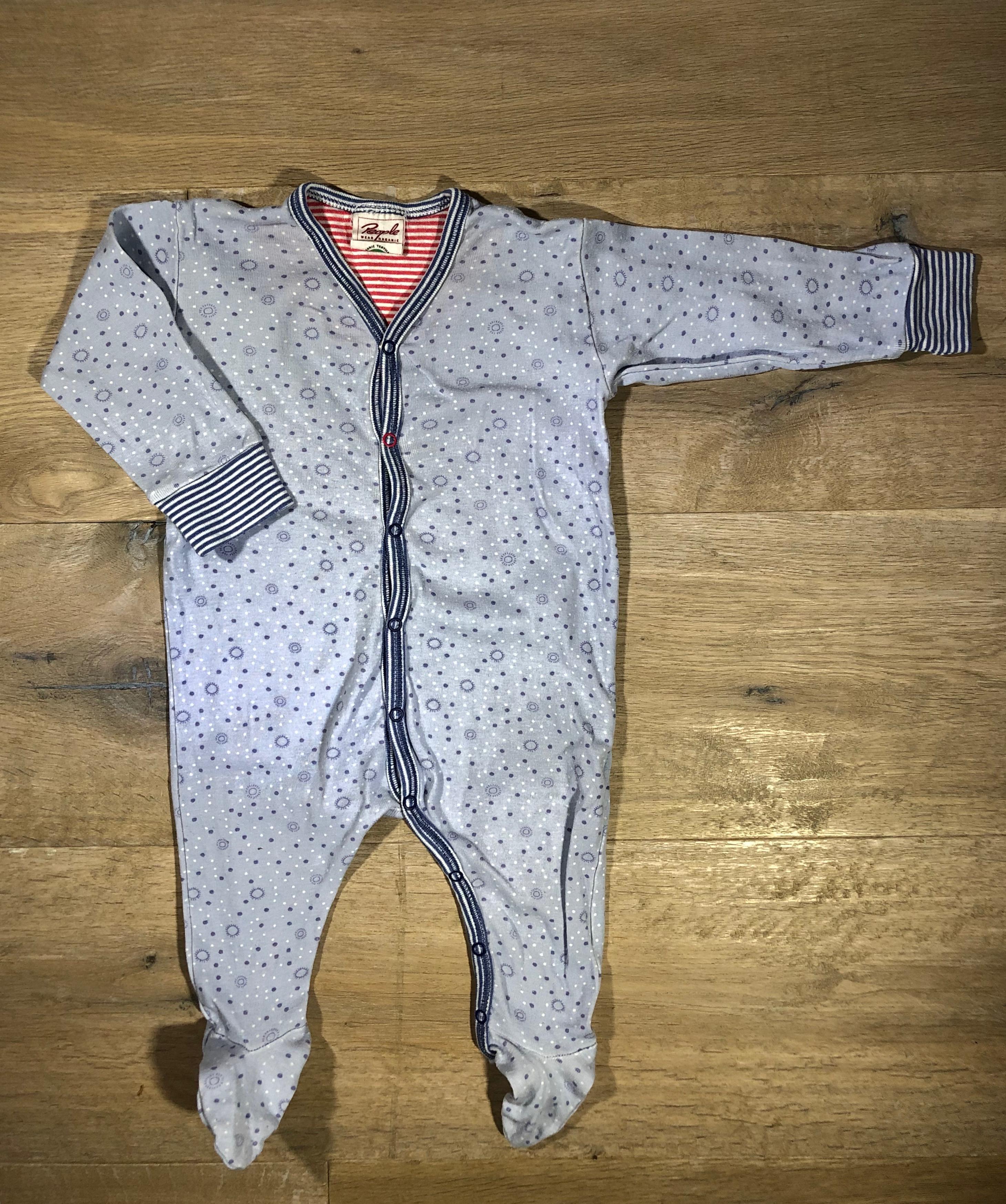 4574d169a42cd Einteiliger Schlafanzug mit Füßen von People wear organic, Gr. 62