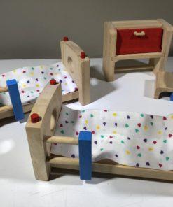 Puppenhausmöbel von PlanToys (Kinderzimmer)